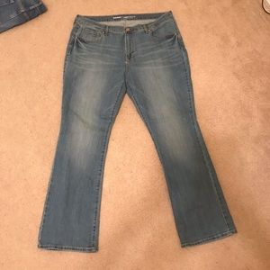 Light Wash Curvy Mid-rise Jeans SHORT - Old Navy